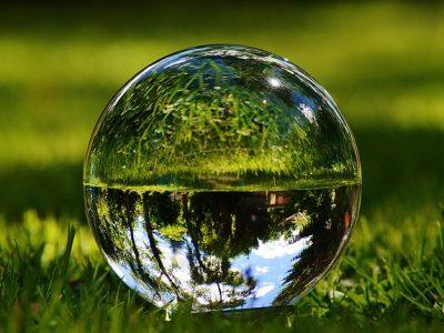 glass-sphere-1480305_640